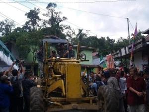 Peletakan Batu Pertama Peningkatan Ruas Jalan Ledo-Sambas