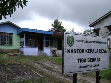Kantor Desa Tiga Berkat