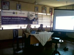 Jurnalisme Warga:  Pelayan publik penting bagi peningkatan sumber daya manusia lebih baik. Salah satu cara peningkatan pelayanan publik adalah peningkatan keterlibatan warga dalam mengawasi pelaksanaanya. Salah satunya melalui pelatihan jurnalisme warga.