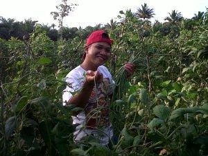 Syaiful di Lokasi Kebun Sayur